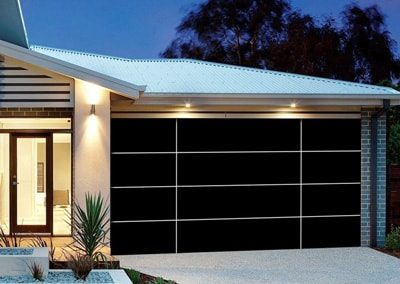 Inspirations® garage door – aluminium composite panels