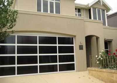 Inspirations® garage door – aluminium frame with Dark Bronze polycarbonate multiwall inserts