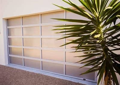 Inspirations® garage door - aluminium frame with white polycarbonate multiwall inserts