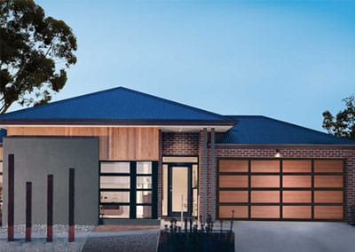 Inspirations garage door® - aluminium frame with western red cedar inserts