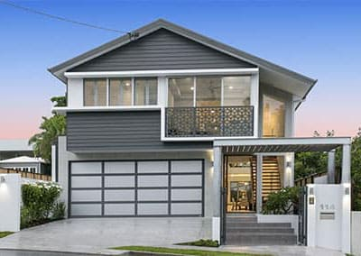 House with Inspirations Garage Door Wins Award | Brisbane