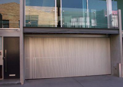 aluminium tilt door